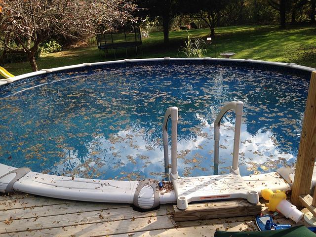 nečištěný bazén
