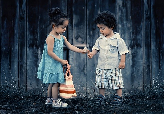 chlapeček a holčička