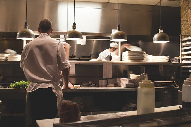 vaření v restauraci