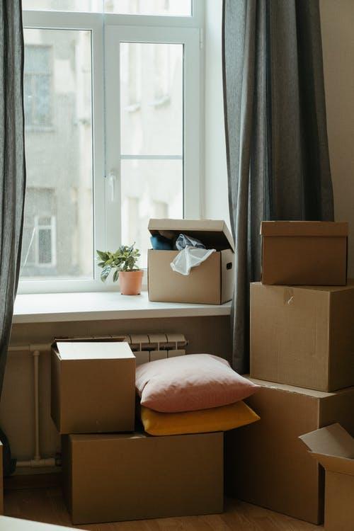 krabice v bytě